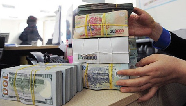Doanh nghiệp và ngân hàng kẹt giữa vòng vây dịch bệnh