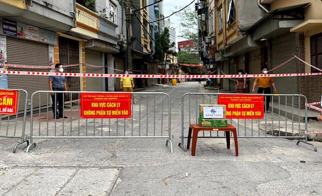 Thiết lập vùng cách ly y tế trên toàn bộ phường Văn Chương.