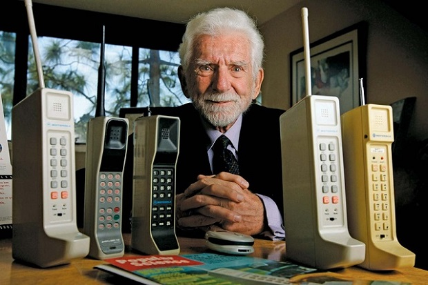 cell-phone-pioneer-martin-coop-6225-5758