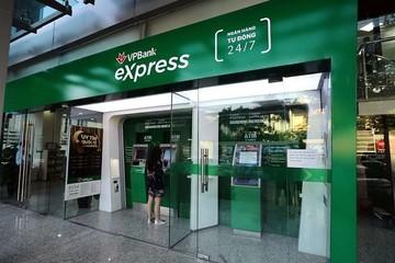 Nhiều chi nhánh ngân hàng tại TP HCM tạm dừng hoạt động