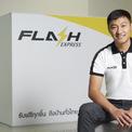 """<p class=""""Normal""""> <strong>Flash Group</strong></p> <p class=""""Normal""""> Quốc gia: Thái Lan</p> <p class=""""Normal""""> Flash Group – công ty cung cấp các dịch vụ hậu cần thương mại điện tử, bao gồm cả dịch vụ giao hàng Flash Express, đã trở thành kỳ lân đầu tiên của Thái Lan sau khi huy động thành công 150 triệu USD trong vòng gọi vốn Series D + và E. Startup này được định giá hơn 1 tỷ USD.</p> <p class=""""Normal""""> Flash Group do Komsan Lee và cựu nhân viên Alibaba Di Weijie đồng sáng lập vào năm 2018. Trước đó, Lee từng làm việc trong lĩnh vực giao nhận hàng hóa và điều hành một công ty hậu cần quốc tế, còn Di đã tham gia vào việc phát triển Ví Alipay. Cả hai đồng sáng lập đều tin rằng thương mại điện tử của Đông Nam Á sẽ phát triển theo một quỹ đạo tương tự như của Trung Quốc.</p> <p class=""""Normal""""> Flash Group đặt mục tiêu đầy tham vọng là nằm trong top 3 doanh nghiệp logistics ở Đông Nam Á trong vòng 5 năm tới và đưa Thái Lan trở thành một trung tâm logistics của khu vực. (Ảnh: <em>Bangkokpost</em>)</p>"""
