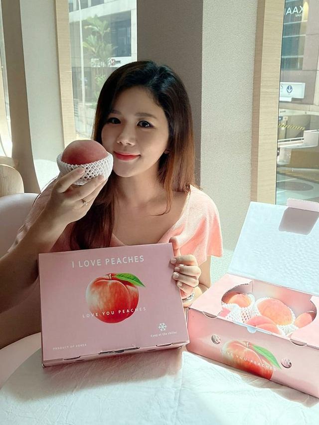 olivia-lee-peach-1283-1629782812.jpg