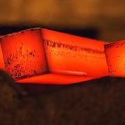 Giá quặng sắt giảm gần một nửa chỉ trong hơn 1 tháng