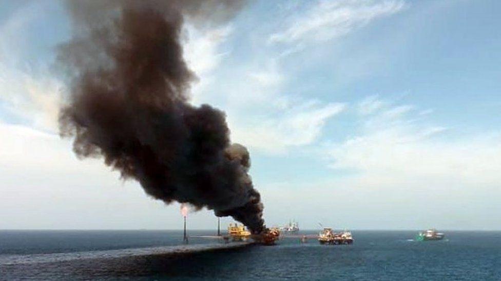 Cháy cơ sở khai thác trên biển ở Mexico, giá dầu tăng hơn 3%