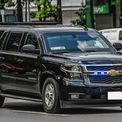 <p> Một trong những chiếc xe quen thuộc trong đoàn hộ tống là mẫu Chevrolet Suburban. Mẫu xe này từng xuất hiện tại Việt Nam vào các năm 2016 và 2019 trong các chuyến thăm của 2 cựu Tổng thống Mỹ.</p>