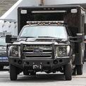 <p> Một mẫu xe khác xuất hiện trong đoàn hộ tống là chiếc Ford F-Series lắp thêm phần cabin phía sau. Mẫu xe này được hoán cải thành phiên bản đặc biệt sử dụng cho đội mật vụ.</p>