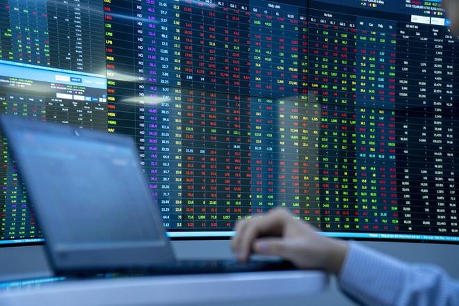 Hàng loạt cổ phiếu lớn tăng mạnh, VN-Index lên gần 11 điểm