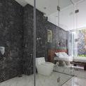 <p> Ngôi nhà được xây dựng bằng vật liệu cơ bản của địa phương, dễ kiếm và rẻ.</p>