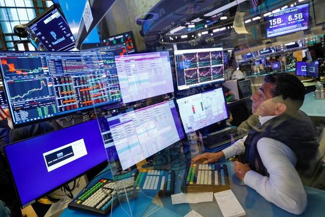 Reuters: Chứng khoán thế giới mất dần đà tăng, có thể bị điều chỉnh vào cuối năm
