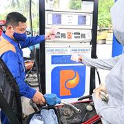Giá xăng, dầu đều giảm