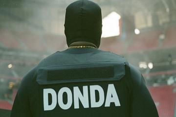 Áo chống đạn của Kanye West giá 20.000 USD