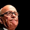 <p> Không dừng lại ở đó, Murdoch tiếp tục mở rộng đế chế của mình tại Mỹ. Ông mua tờ San Antonio Express-News vào năm 1973 và mua tờ The New York Post 3 năm sau đó. Giống như đã làm với Thatcher ở Anh, Murdoch sử dụng tờ The New York Post để ủng hộ Ronald Reagan ở New York trong cuộc bầu cử tổng thống năm 1980. Nhà Trắng sau đó đã bỏ lệnh cấm vừa sở hữu báo, vừa sở hữu đài truyền hình trong cùng một thị trường, giúp Murdoch nhanh chóng bành trướng đế chế của mình. (Ảnh: <em>Reuters</em>)</p>