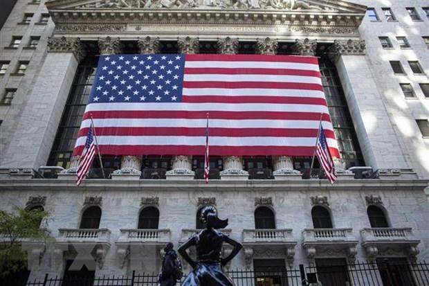 Quang cảnh bên ngoài sàn giao dịch chứng khoán New York (Mỹ). (Ảnh: AFP/TTXVN)