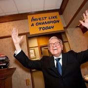 7 sự thật về khối tài sản 104 tỷ USD của Warren Buffett
