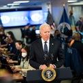 """<p class=""""Normal""""> Tổng thống Joe Biden, phát biểu tại trụ sở Cơ quan Ứng phó Khẩn cấp Liên bang (FEMA) ngày 27/8, cho biết """"thiệt hại khả năng cao rất lớn"""" và cam kết """"ngay khi bão tan, chúng tôi sẽ dồn lực cho hoạt động tìm kiếm và cứu hộ tại đây"""". Ảnh: <em>New York Times.</em></p>"""