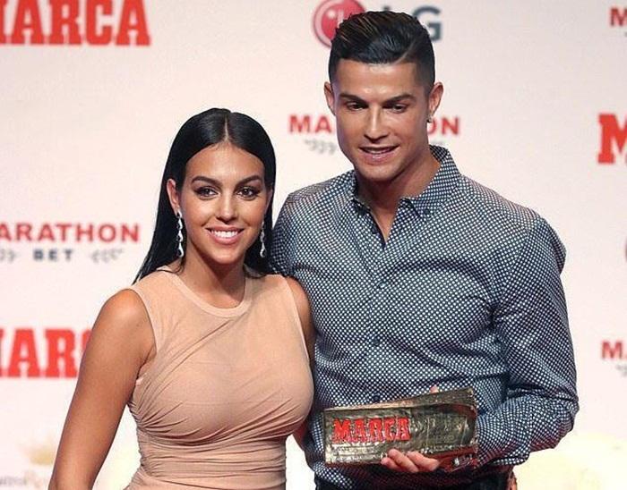 Vẻ ngoài thu hút của bạn gái Cristiano Ronaldo