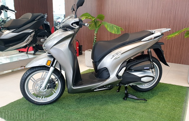 honda-sh-350i-1-thanhnien-2-yk-2795-4021