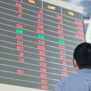 Khối ngoại bán ròng hơn 32.000 tỷ đồng trên HoSE sau 8 tháng