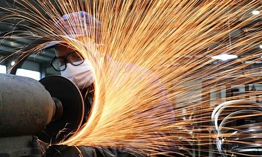 Sản xuất giảm tốc, kinh tế Trung Quốc chịu áp lực