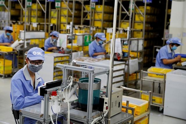 Hàng loạt 'công xưởng' châu Á suy giảm sản xuất vì Covid-19