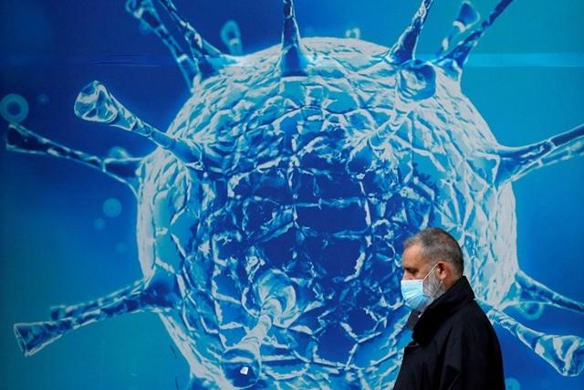 WHO theo dõi biến thể mới có khả năng kháng vaccine COVID-19. Ảnh minh họa: Reuters
