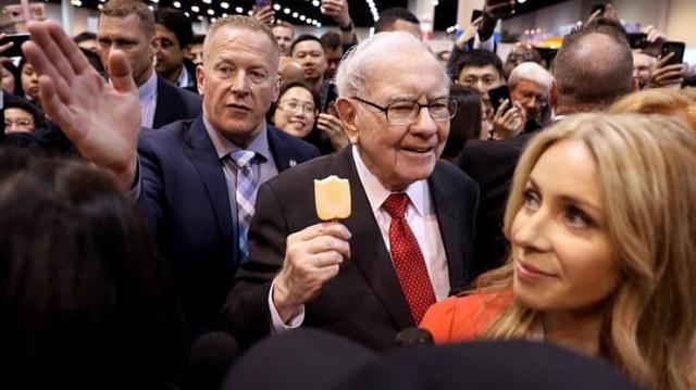 Warren Buffett đã chuẩn bị thế nào để Berkshire thích ứng với nền kinh tế mới?
