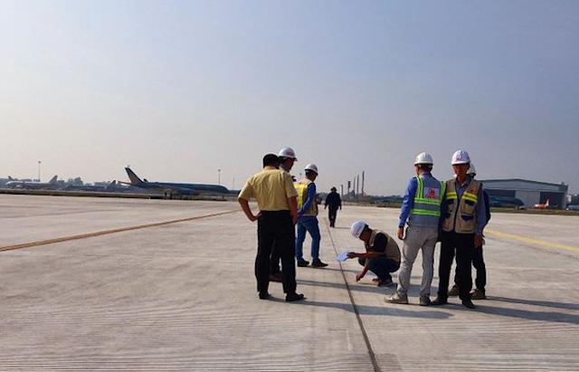 Hai nhà thầu dự án cải tạo đường băng sân bay Nội Bài bị cảnh cáo