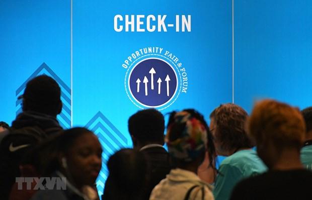 Người tìm việc tại hội chợ việc làm ở Washington, DC, Mỹ. (Ảnh: AFP/TTXVN)