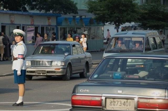 cars-of-north-korea-volvo-debt-8786-4383
