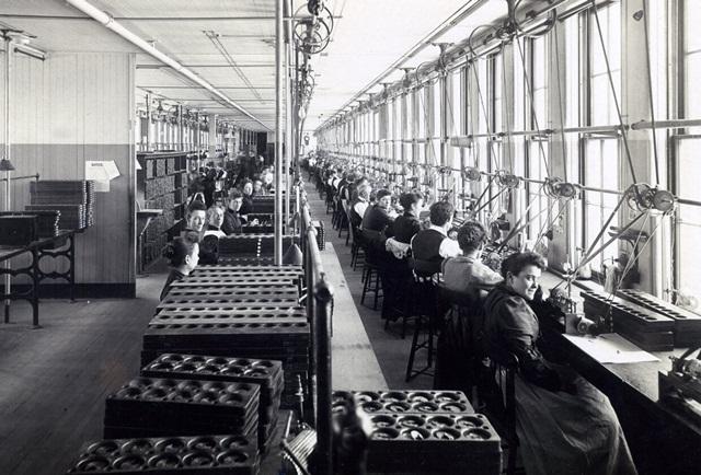 american-waltham-watch-factory-8246-1421