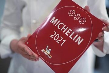 Đầu bếp Singapore bị tước sao Michelin vì tham mở rộng nhà hàng?