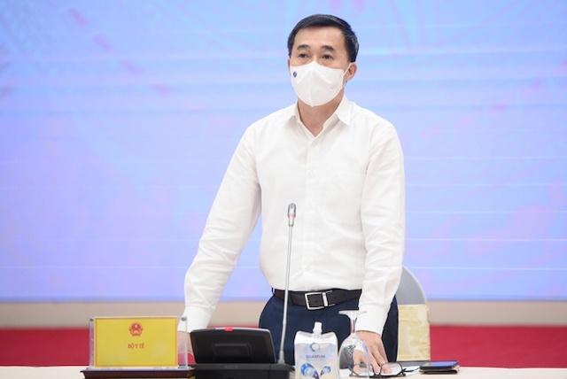 """Thứ trưởng Y tế Trần Văn Thuấn khẳng định """"vaccine sẽ về ngày càng nhiều""""."""