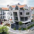 <p> Ngôi nhà trở nên đặc biệt trong khu dân cư.</p>