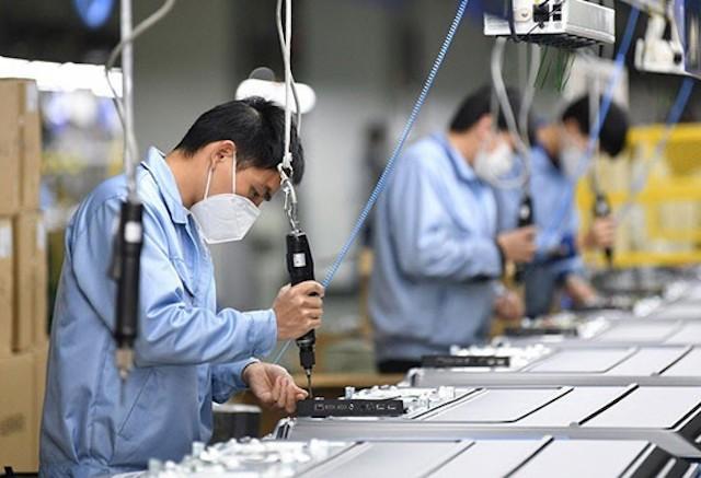 Đề xuất được miễn đóng bảo hiểm xã hội cho doanh nghiệp và người lao động, do ảnh hưởng của dịch Covid-19.