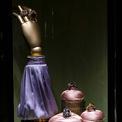 """<p class=""""Normal""""> Nhà mốt đã không ngại thử sức với rất nhiều màu sắc, kiểu dáng. Có những món bằng vàng nạm đá tourmaline, hồng ngọc (ruby), kim cương và ngọc sapphire được chế tác thủ công vô cùng tinh xảo.<span>Ảnh:</span><em><span>Dolce &amp; Gabbana</span><span></span></em></p>"""