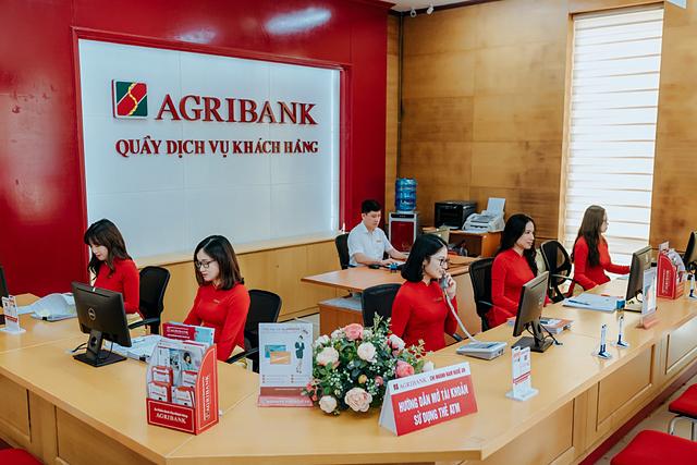 Các ngân hàng bắt đầu giảm lãi suất hỗ trợ doanh nghiệp.