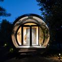 <p> Công trình thể hiện sự kết hợp giữa kiến trúc hiện đại và vật liệu, kỹ thuật tiên tiến.</p>