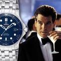 <p> Thế hệ James Bond đầu tiên đeo đồng hồ Omega là một chiếc Seamaster Professional 300mcó mặt số và viền bezel màu xanh dương, dây đeo bằng thép. Chiếc đồng hồ không chỉ gây ấn tượng vì quá tinh xảo mà còn phục vụ được điệp viên trong những nhiệm vụ nguy hiểm với khả năng chống nước ở độ sâu 300m, bộ máy tự động Caliber 2500, thời lượng cót 48 giờ. Ảnh: <em>Pinterest</em></p>