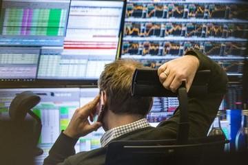 Khối ngoại bán ròng phiên thứ 11 trên HoSE, tập trung 'xả' VHM