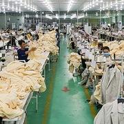 HSBC: Tổn thất dệt may, da giày là 'niềm đau' của Việt Nam