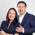 """<p class=""""Normal""""> <strong>6. Dennis Anthony &amp; Maria Grace Uy</strong></p> <p class=""""Normal""""> Tài sản: 2,8 tỷ USD</p> <p class=""""Normal""""> Lĩnh vực: viễn thông</p> <p class=""""Normal""""> Dennis Anthony Uy và vợ Maria Grace thành lập Converge ICT Solutions, một trong những nhà khai thác Internet tốc độ cao lớn nhất Philippines. Năm 2020, Converge niêm yết trên sàn chứng khoán, huy động được hơn 500 triệu USD từ một trong những đợt IPO lớn nhất của Philippines trong những năm gần đây. Vợ chồng Dennis Anthony nắm giữ phần lớn cổ phần của doanh nghiệp này. (Ảnh:<em> Converge ICT Solutions</em>)</p>"""