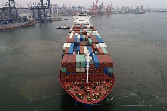 Vận chuyển tàu container đang mang lại lợi nhuận lớn nhờ phí tăng mạnh. Ảnh: Bloomberg