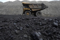 Giá than đá của Indonesia cao nhất một thập niên