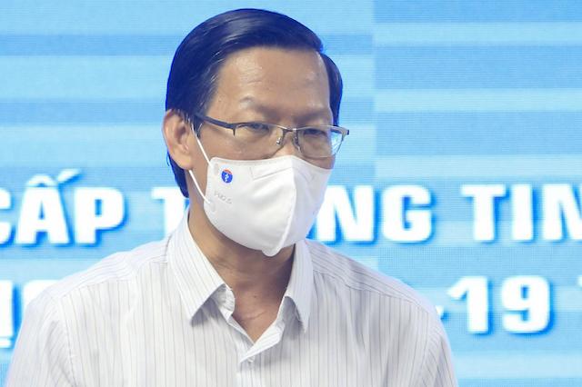 Chủ tịch TP HCM Phan Văn Mãi tại buổi họp báo chiều 13/9.