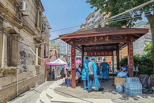 Một con phố bị phong tỏa ở Hạ Môn, tỉnh Phúc Kiến, Trung Quốc vào ngày 13/9. Ảnh: Chen Xiaorong.