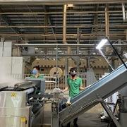Đà Nẵng: Bảo vệ an toàn cho công nhân, giữ 'vùng xanh' trong sản xuất