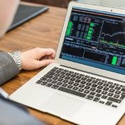 Khối ngoại đẩy mạnh bán ròng hơn 700 tỷ đồng trên HoSE trong phiên 14/9, HPG và VCB là tâm điểm