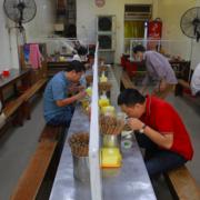 Hải Phòng: Dịch vụ ăn uống hè phố được phục vụ tại chỗ trong thời gian 5-9h