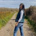 """<p> Là một ngôi sao tennis, Emma 18 tuổi dường như có phong cách khá giản dị. Ở những bức ảnh đời thường, cô gái trẻ gây ấn tượng với trang phục đúng lứa tuổi là quần jeans, giày sneaker làm toát lên sự trẻ trung, năng động. Ảnh:<em><span style=""""color:rgb(0,0,0);"""">emmaraducanu/instagram</span></em></p>"""