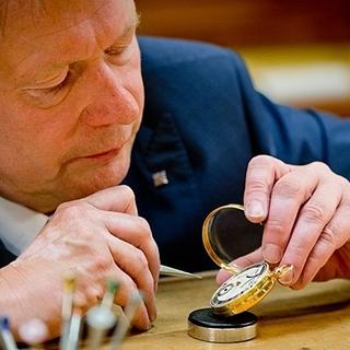 Yếu tố nào được cộng thêm vào giá khiến Patek Philippe dù đắt vẫn trở thành bảo bối của giới 'thợ săn' đồng hồ?